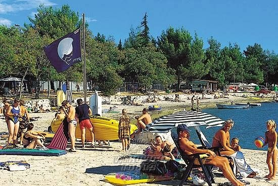 Hotel Solaris FKK, Chorvatsko Istrie - 1 597 Kč Invia