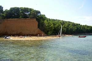 Chorvatsko Apartmány Vrgada Pokoje Vrgada Penziony Vrgada Soukromé ubytování Vrgada Pronájem plavidel marina Biograd dovolená CK Lotos